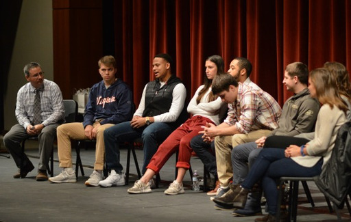 Eight Young Alumni Return to Campus for College Panel